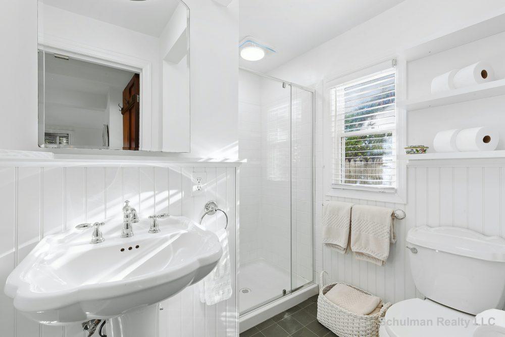 15838283downstairs_(3rd)_bathroom_8_muchmore