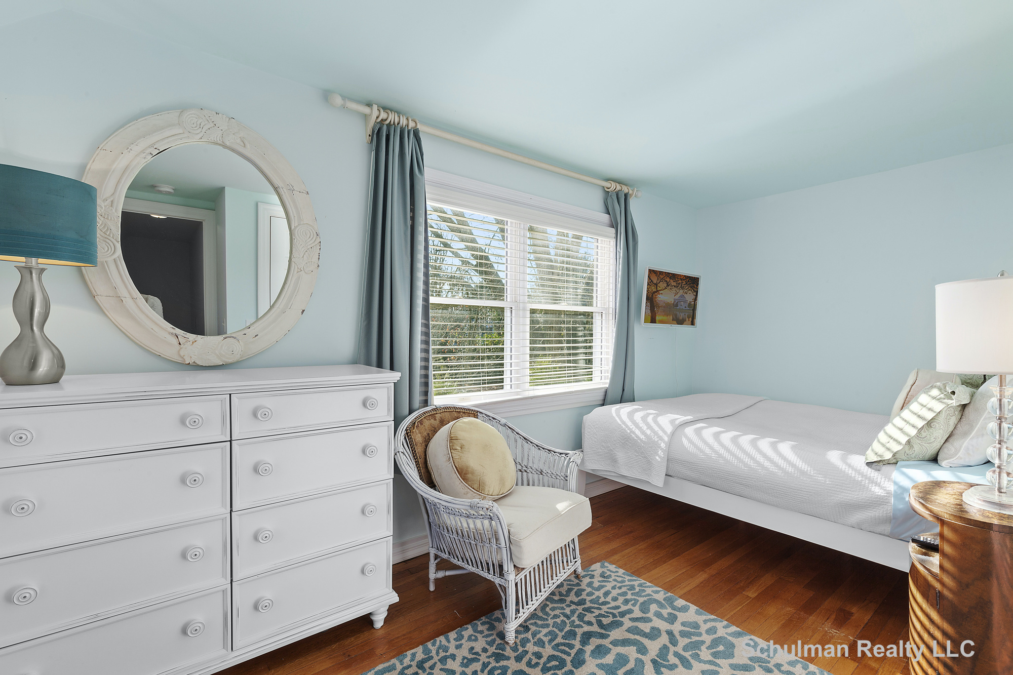 48641802nd_bedroom_8_muchmore